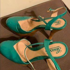 Gucci high heel shoes